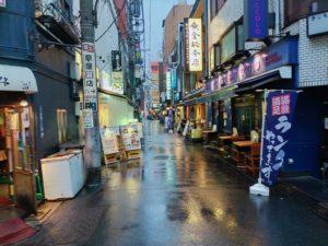 コロナの影響:新橋駅前飲み屋街